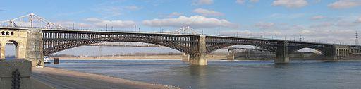 512px-Eads_Bridge_panorama_20090119